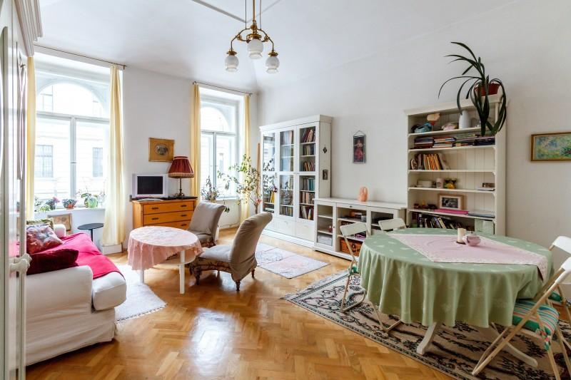living-room-527646_1920.jpg