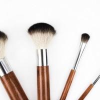 Bliv lækker og uimodståelig med makeup fra cremedelacremeshop.dk